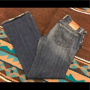 LuckyBrand low rise flare jeans 8/29
